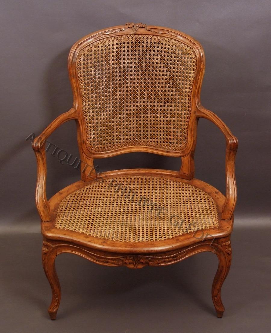 fauteuil coin de feu epoque louis xv canne. Black Bedroom Furniture Sets. Home Design Ideas