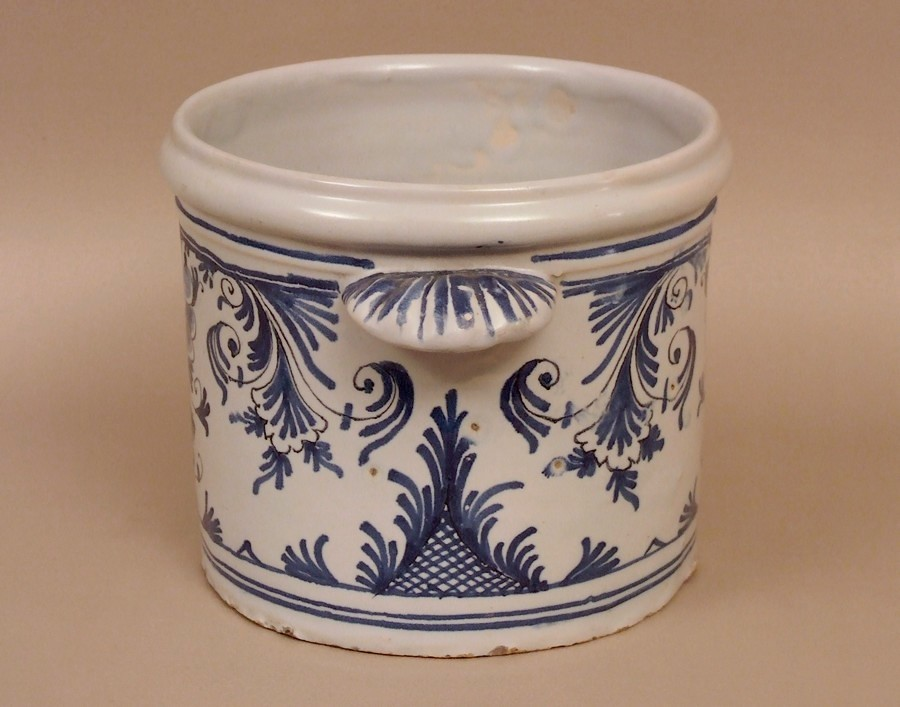 cache-pot-faience-Nevers-18e