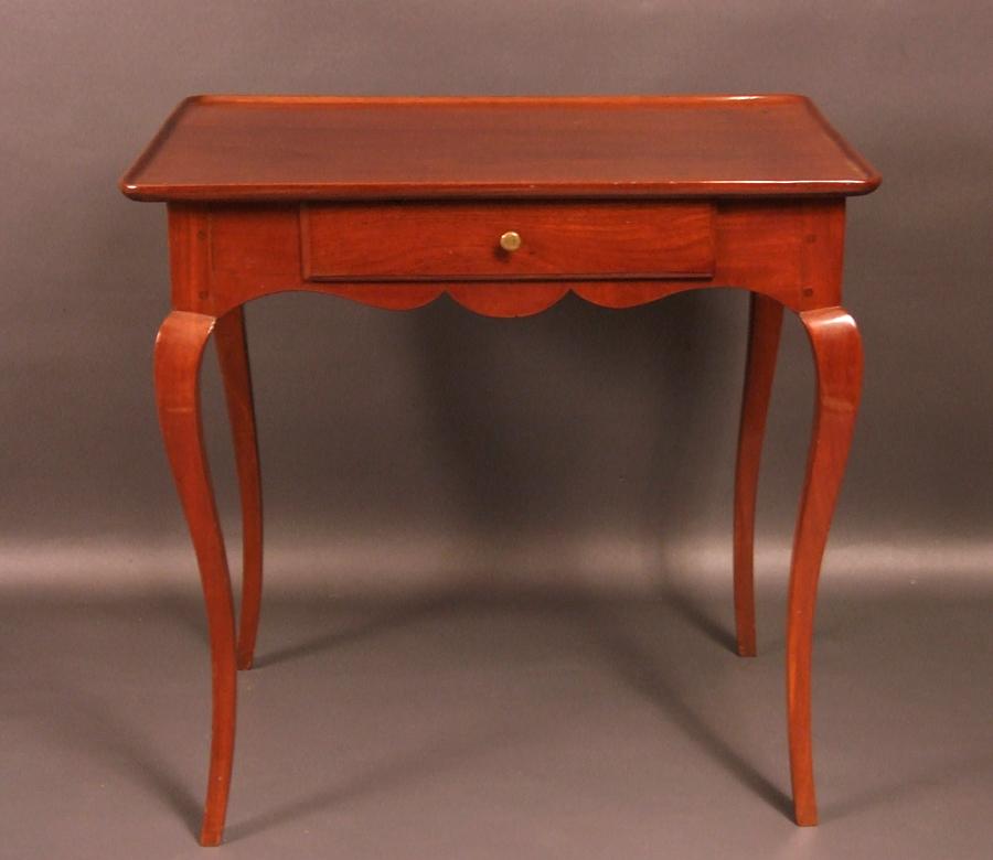 8443fe18914aa9 TABLE CABARET BORDELAISE EN ACAJOU MASSIF