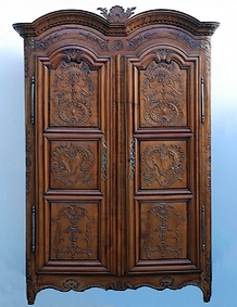 meubles regionaux armoire rennaise commode louis xv. Black Bedroom Furniture Sets. Home Design Ideas