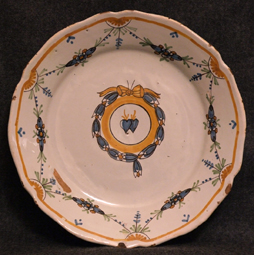 Assiette-faience-Nevers-mariage-Nevers- Decor-coeurs-meles